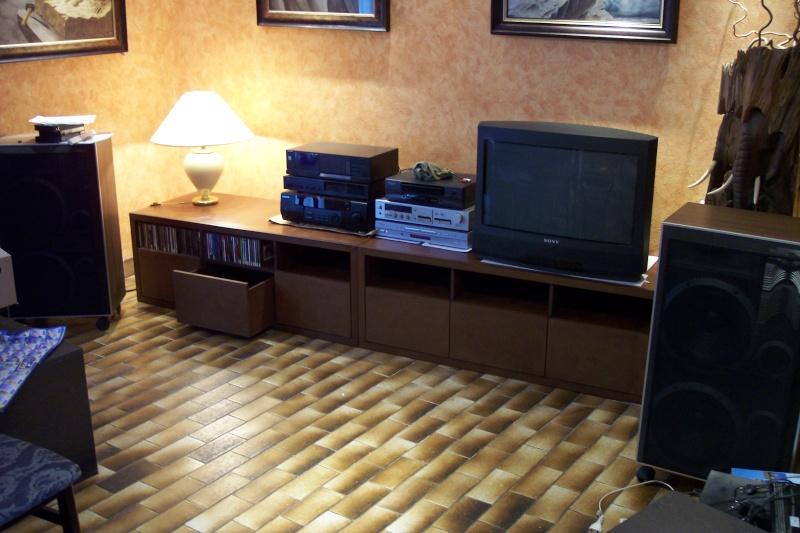 mon meuble diy hifi biblio avec cran escamotable le top page 2 29861160 sur le forum. Black Bedroom Furniture Sets. Home Design Ideas