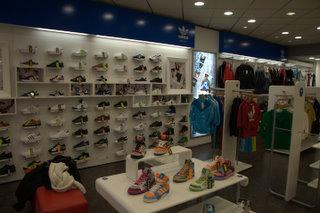 a673f162968 Michael K.   Le magasin de Sneakers de New York. On y trouve tout et ...