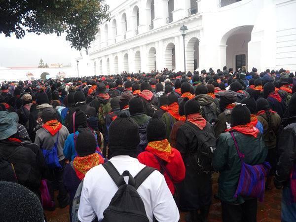 21820c10 - Al finalizar el 13 baktun 50 mil mayas zapatistas  marchan en silencio en 5 ciudades de Chiapas