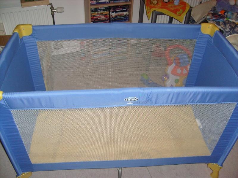 lit parapluie babideal neuf dans sa boite juste monter pour la photo 40 euro. Black Bedroom Furniture Sets. Home Design Ideas